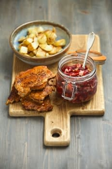 QUICK & EASY pork steaks with beetroot